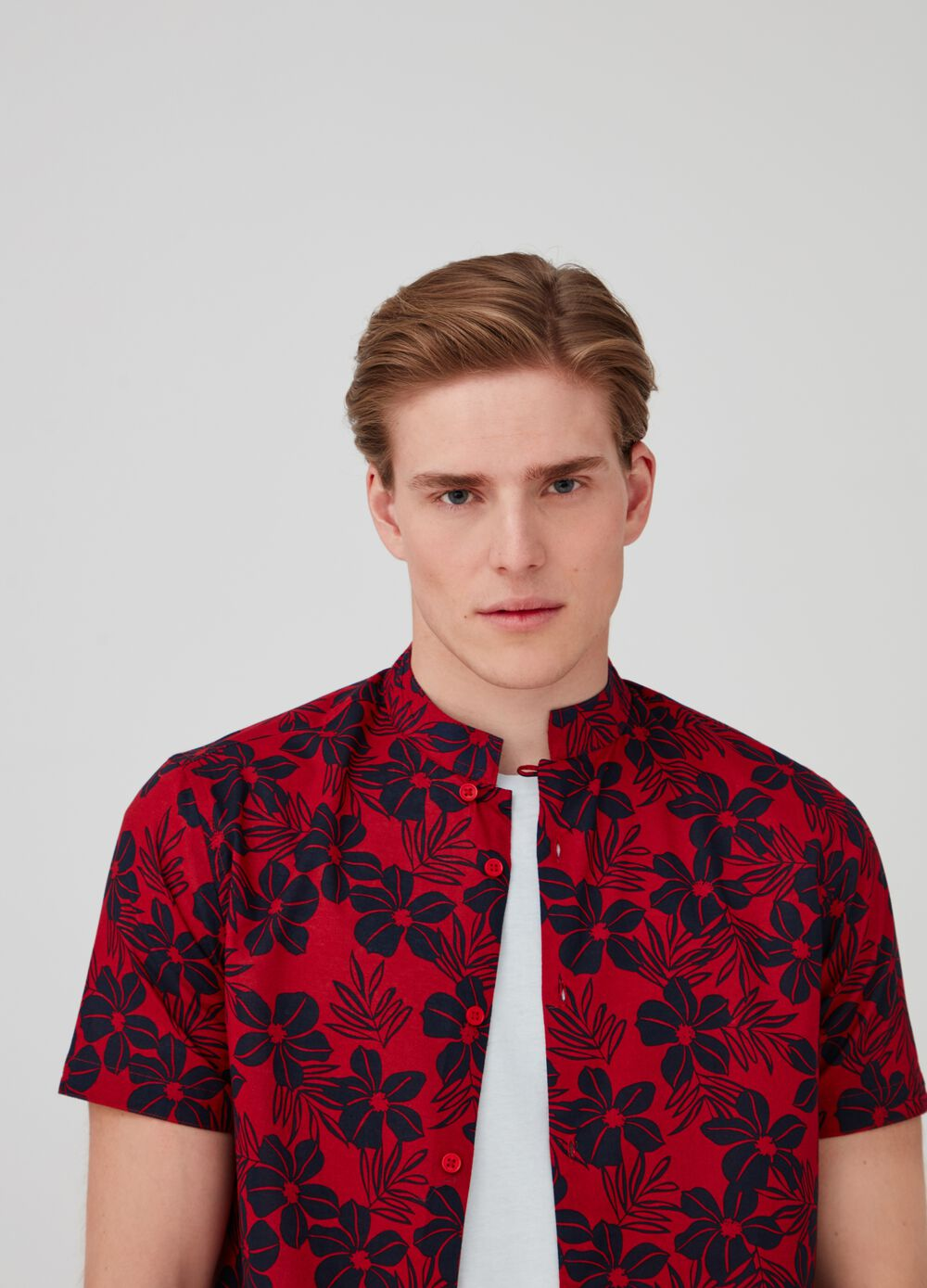 Floral cotton shirt with short sleeves