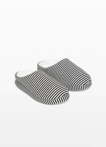 Striped pattern canvas slippers