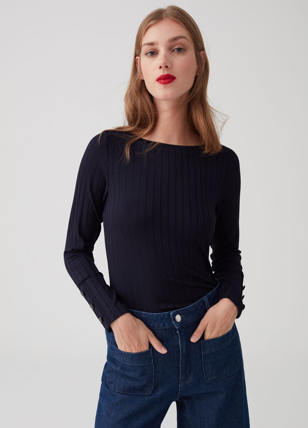 Long-sleeved T-shirt with striped weave