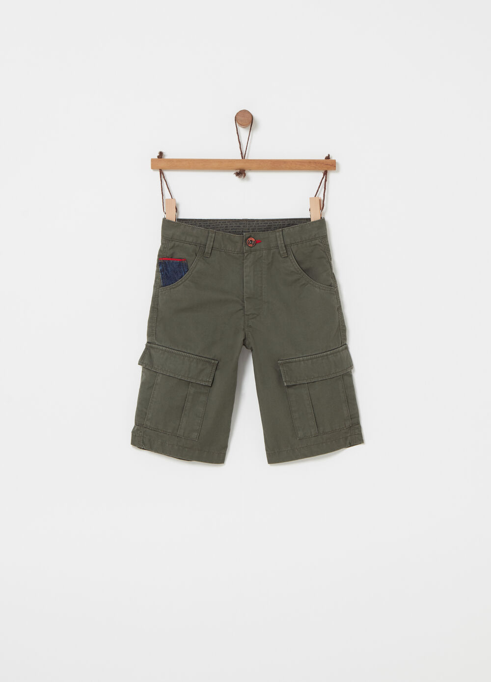 100% cotton twill shorts with pockets