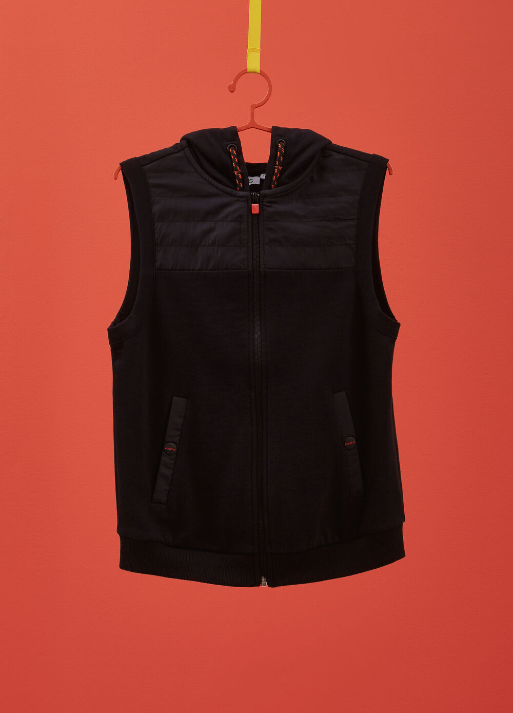100% cotton gilet with hood and lettering