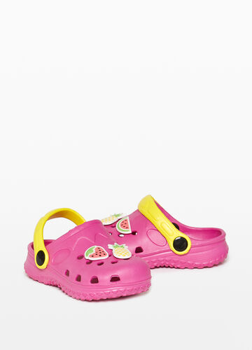 Openwork sandals with fruit patch