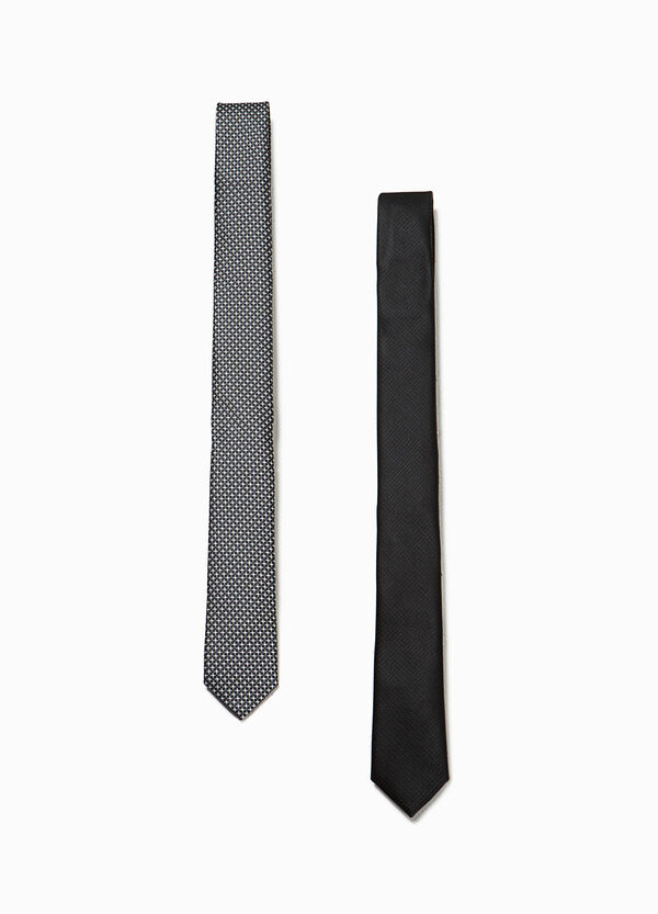 Two-pack ties patterned and solid colour