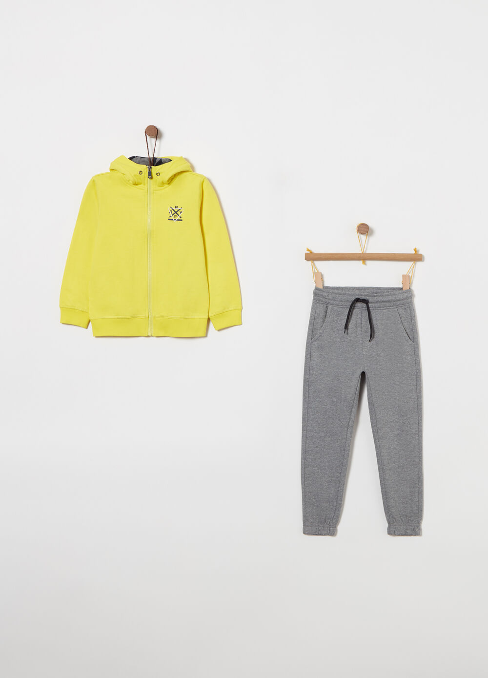 Fleece jogging set with hood and zip