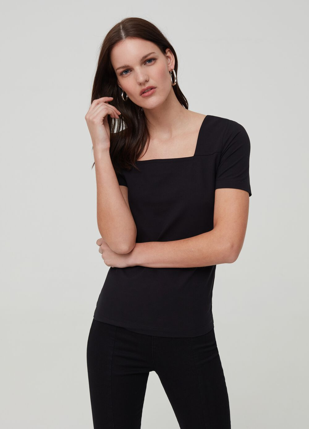 T-shirt with squared neckline