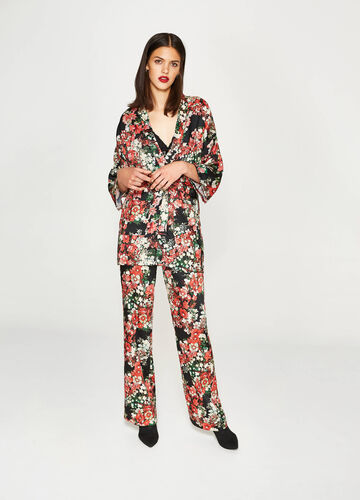 Shirt with kimono sleeves