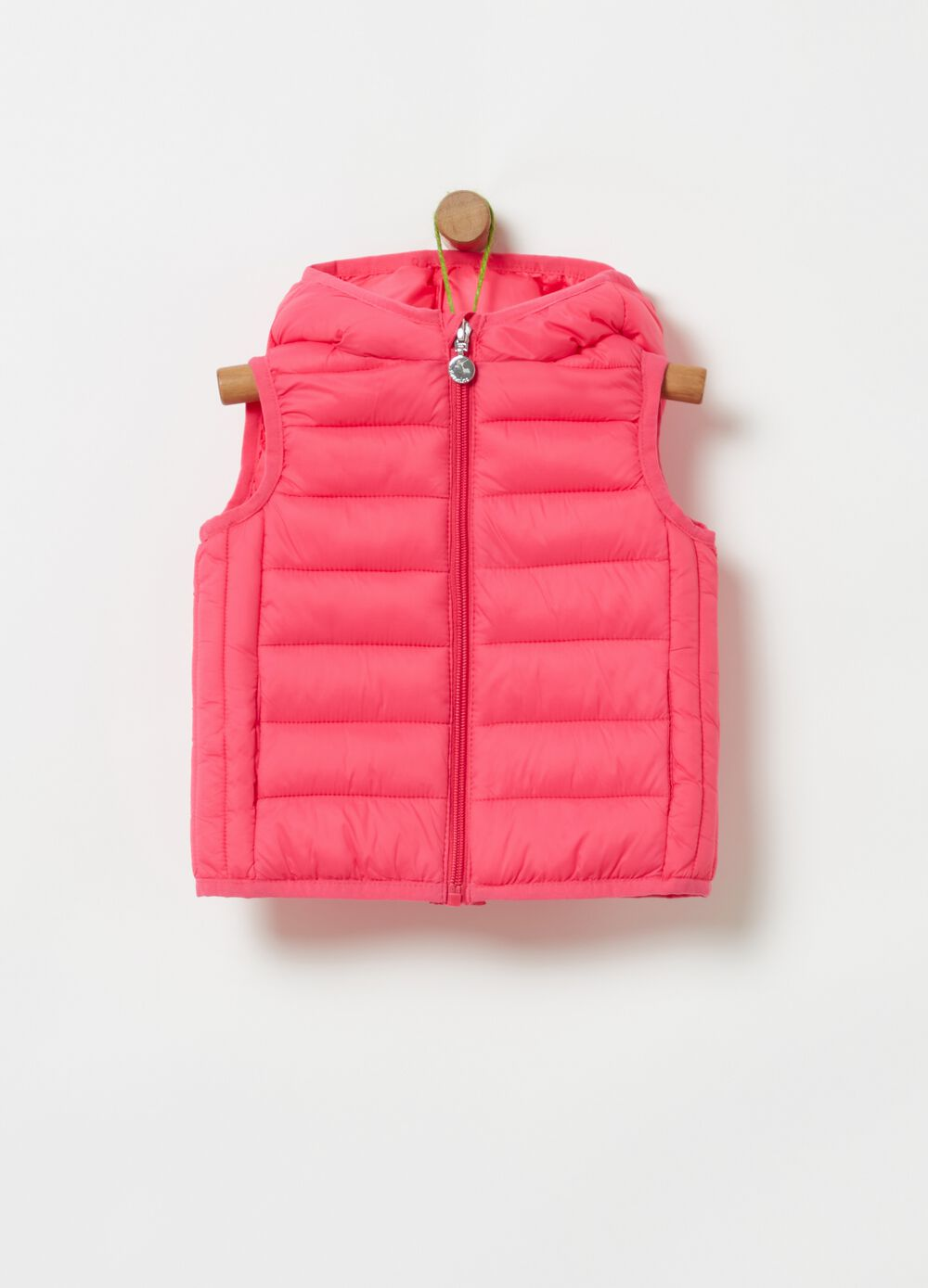 Solid colour padded and quilted gilet