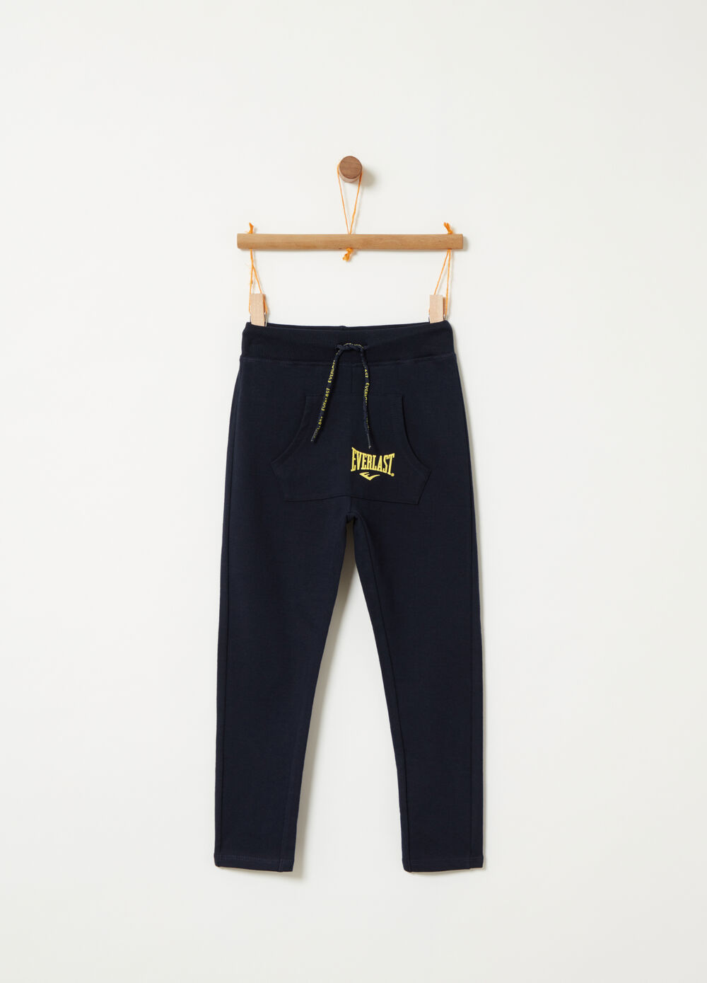 Trousers with drawstring and pouch pocket