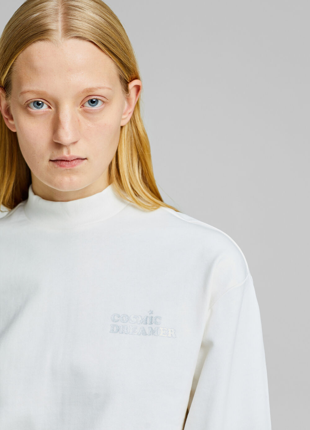 High-neck sweatshirt with lettering embroidery