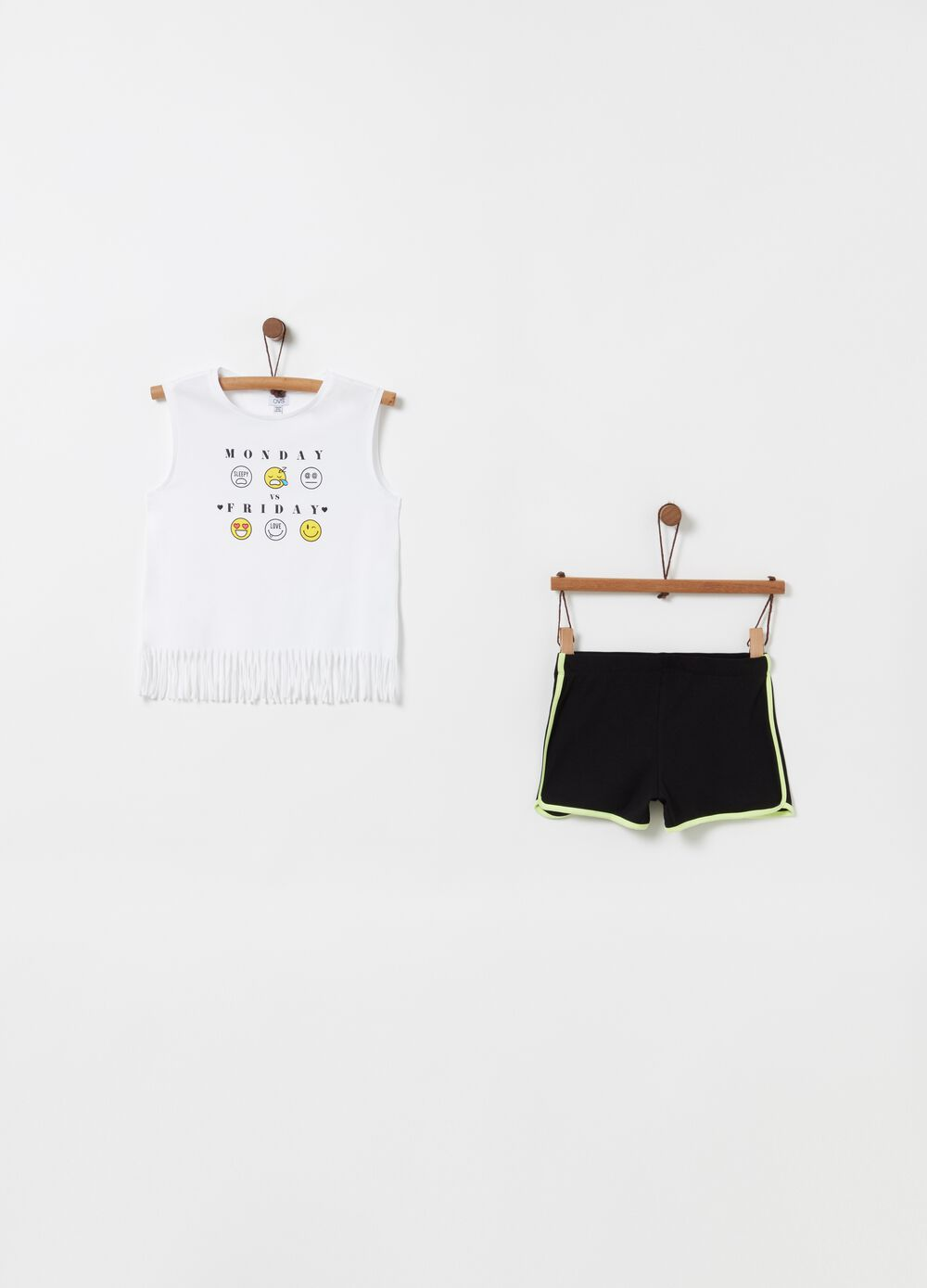 Top and shorts jogging set with fringing and insert