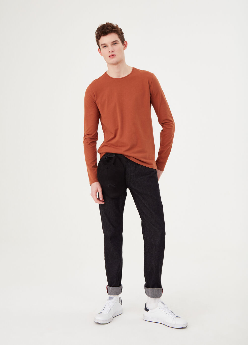 Long-sleeved jersey T-shirt with double neck