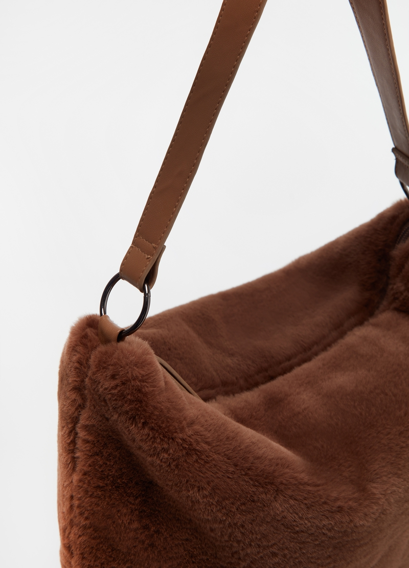 Faux fur bag with zip image number null