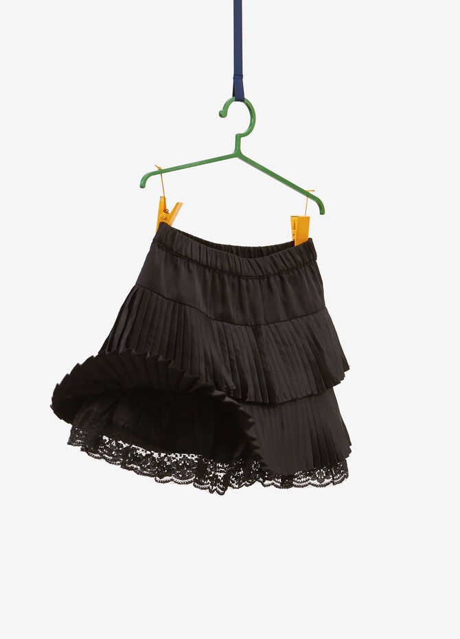 Pleated flounced skirt with lace