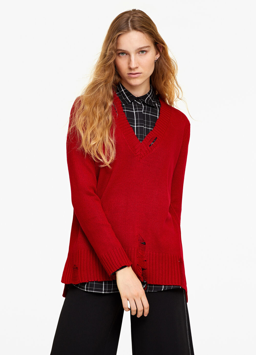 Solid colour pullover with V-neck