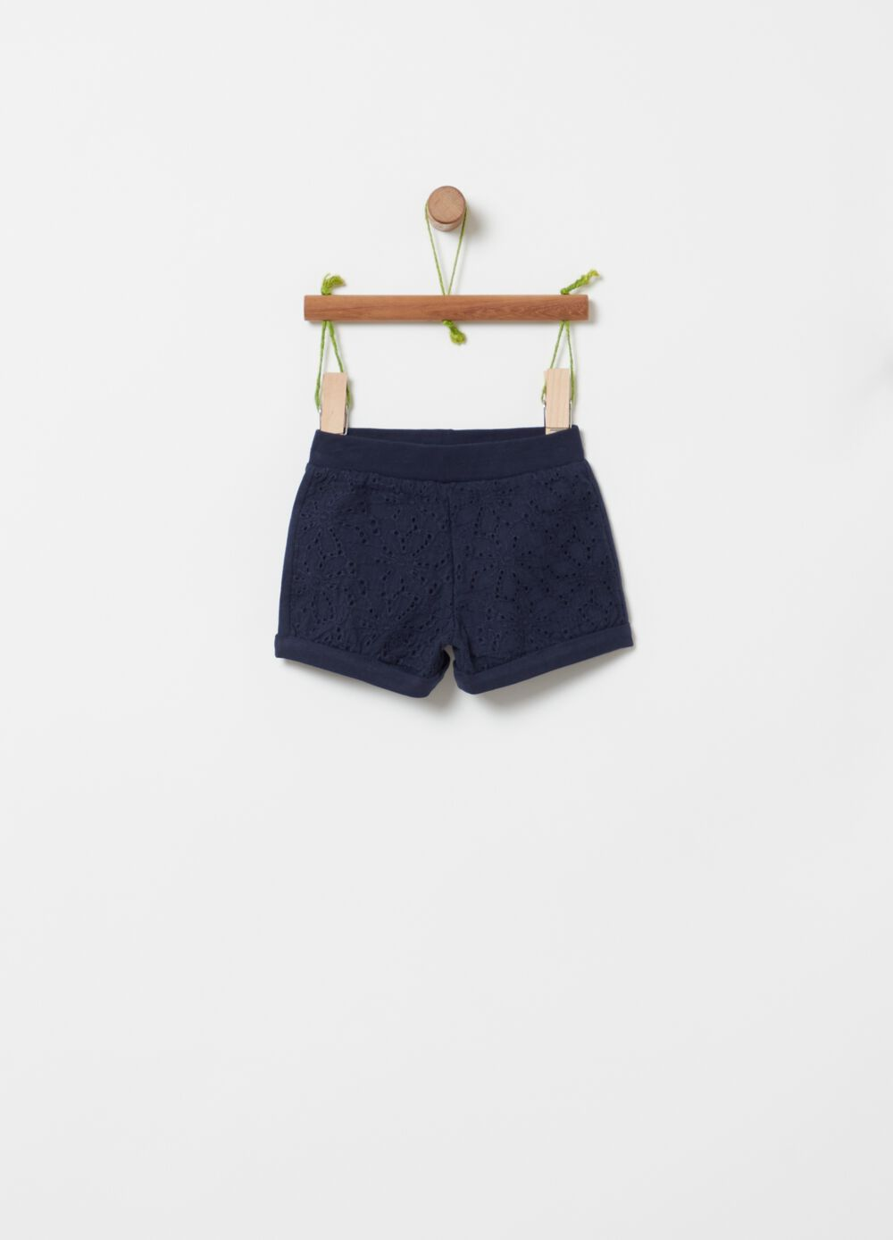 Organic cotton shorts with floral embroidery