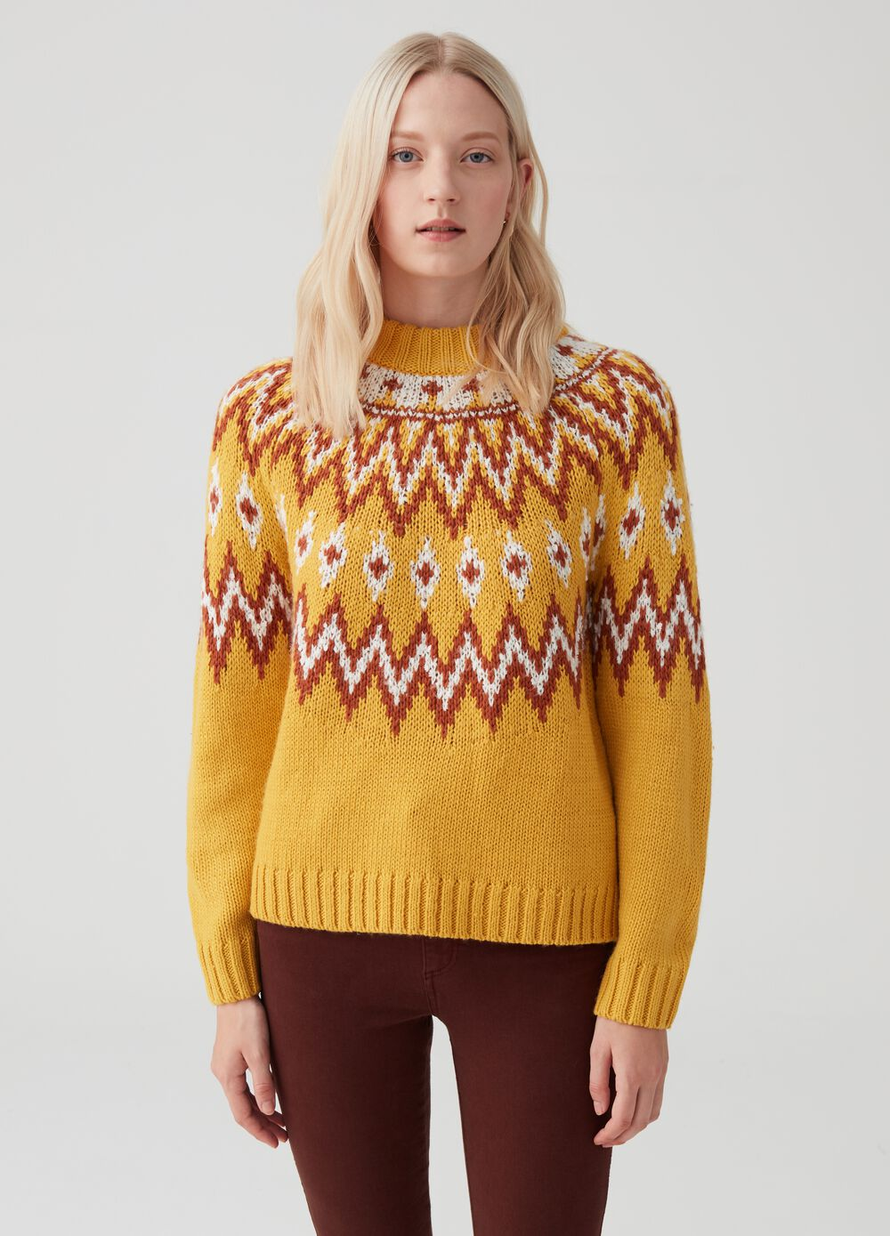 Pullover with jacquard design