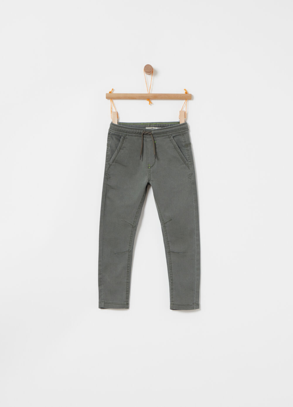 Pantaloni jogger denim stretch tasche