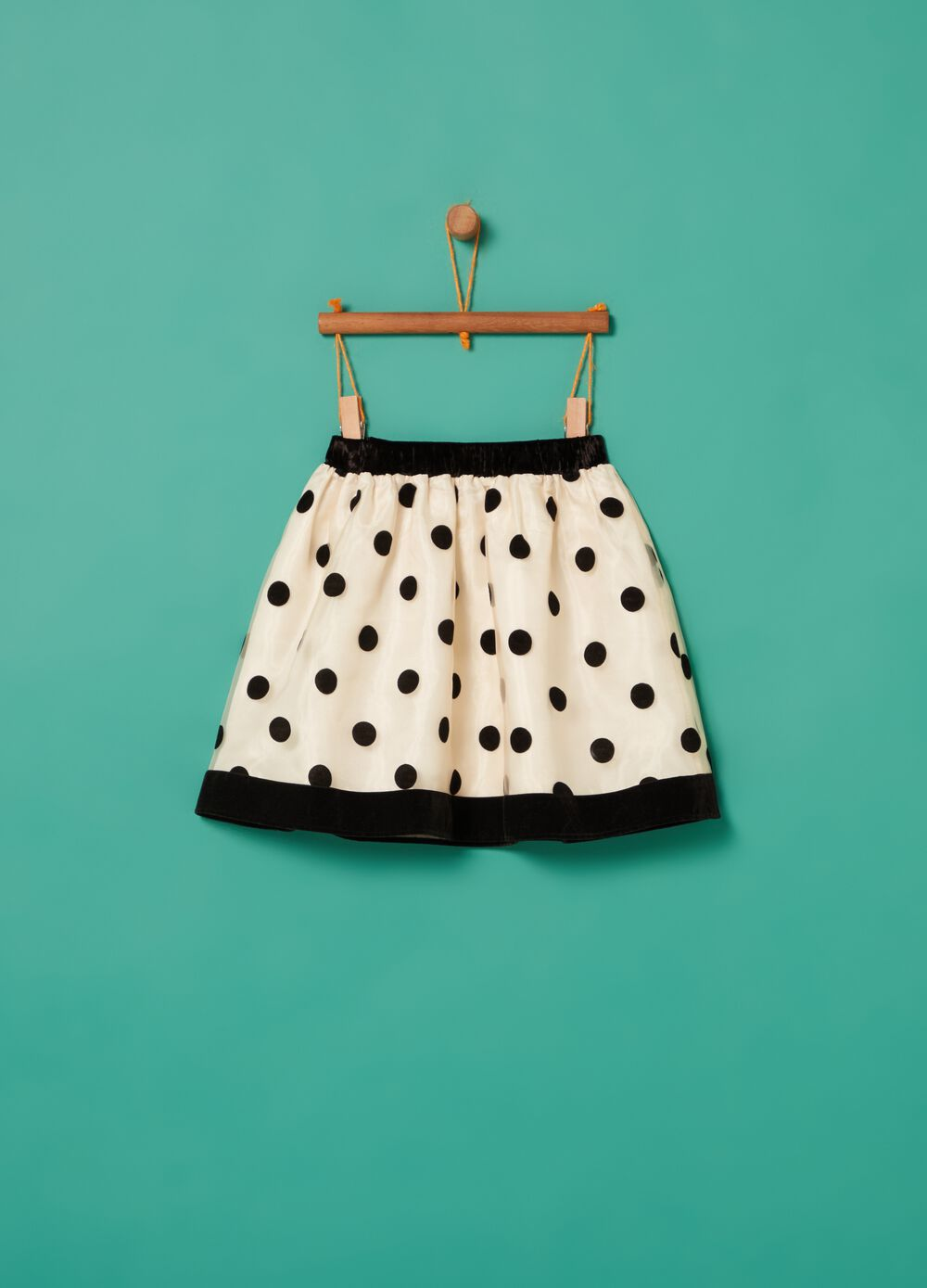Pleated skirt with polka dot print