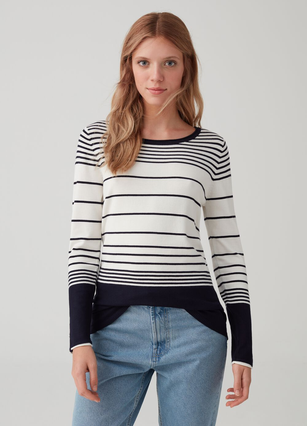 Ribbed knit pullover with striped pattern