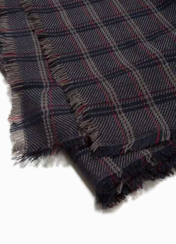 Check scarf with fringed trim