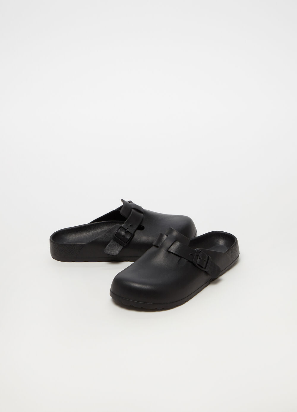 7baf78f5970e Leather-look clogs with buckle