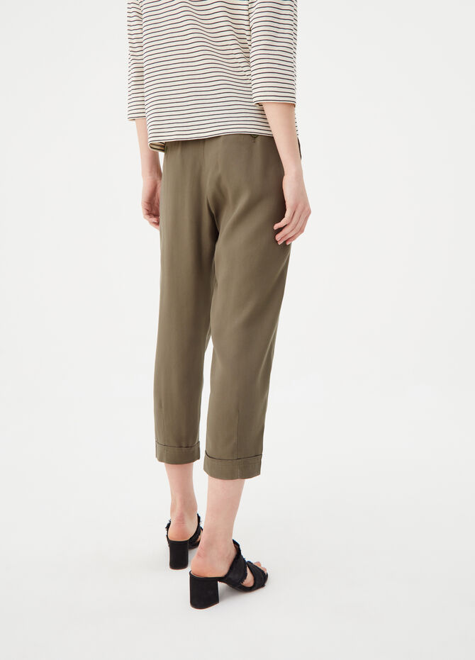 Carrot-fit trousers in fluid fabric