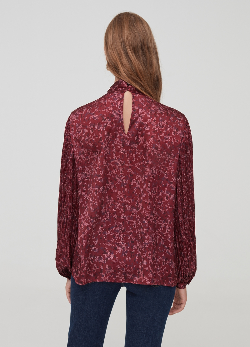 Blouse with pleated sleeves and foulard image number null
