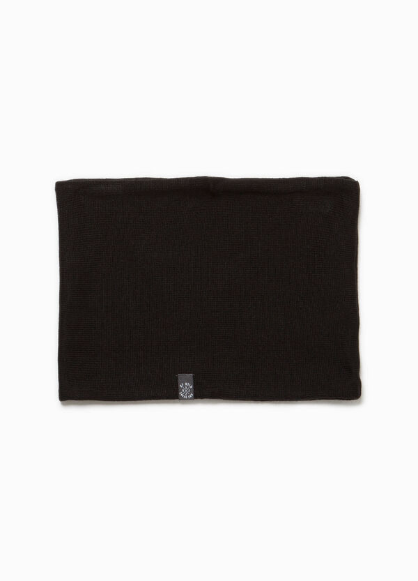 Neck warmer with patch