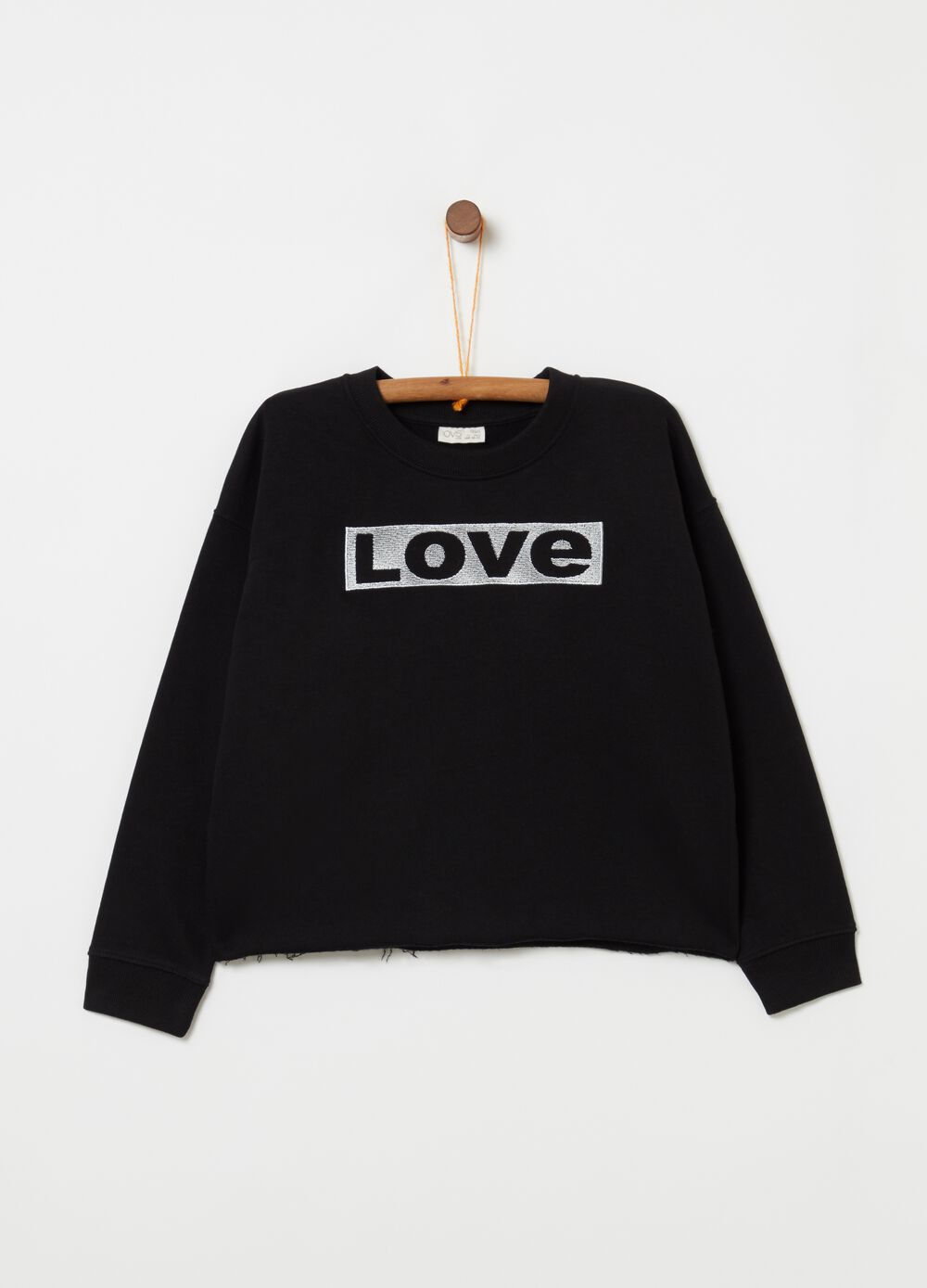 Sweatshirt with fringed hem and lettering patch