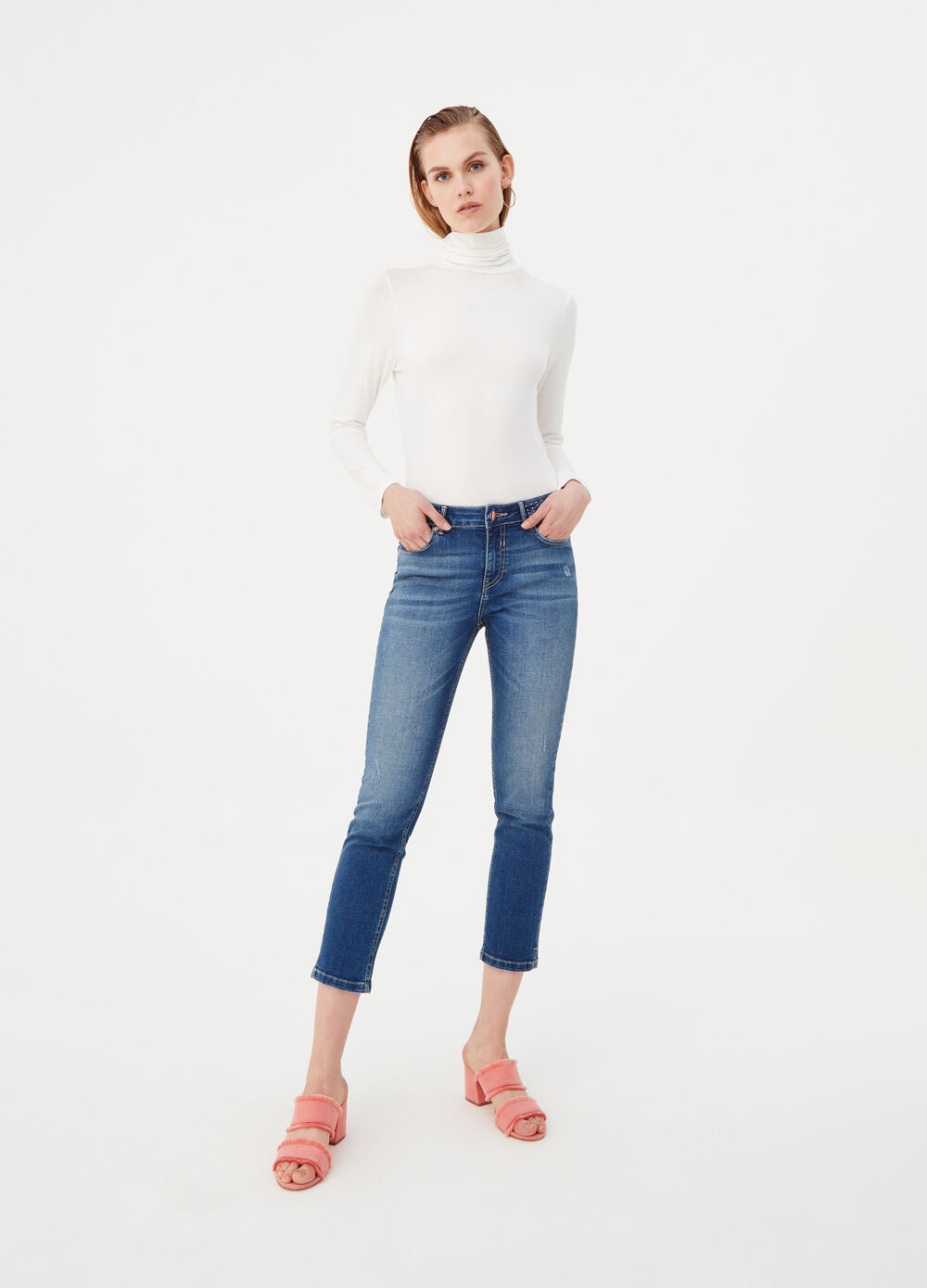Skinny-fit jeans with studs on the belt
