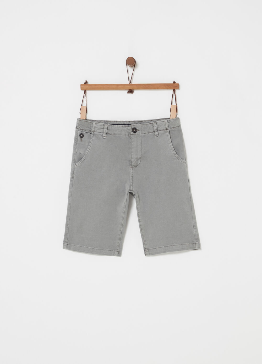 Stretch chino Bermuda shorts with pockets