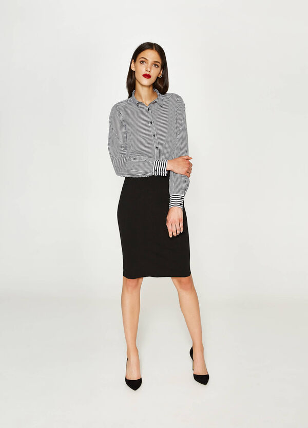 Stretch viscose pencil skirt