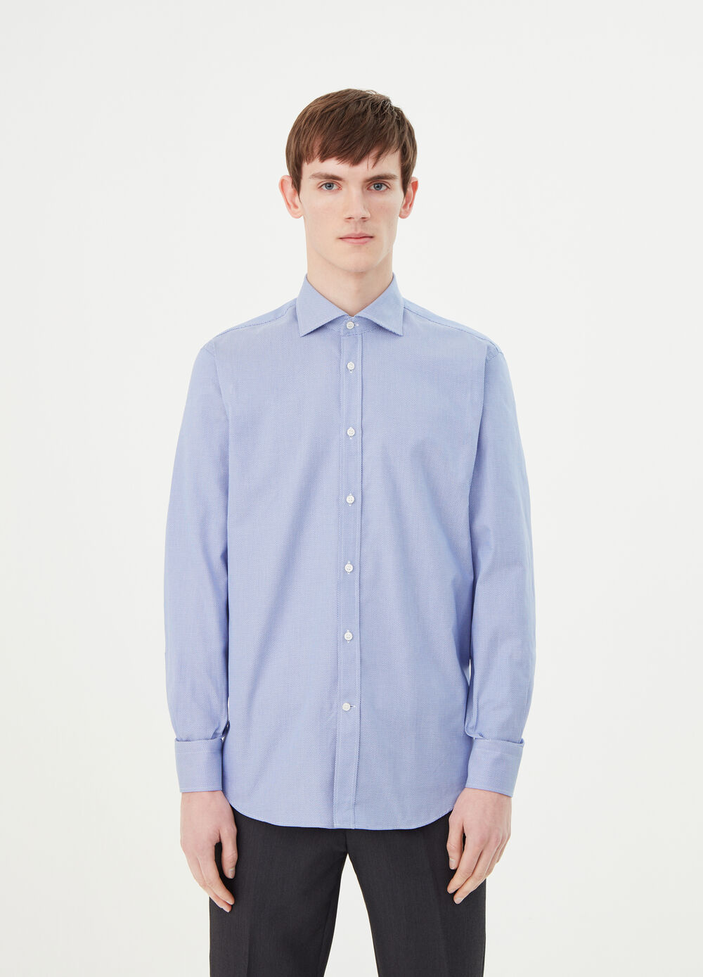 Shirt with cut-away collar with double twist