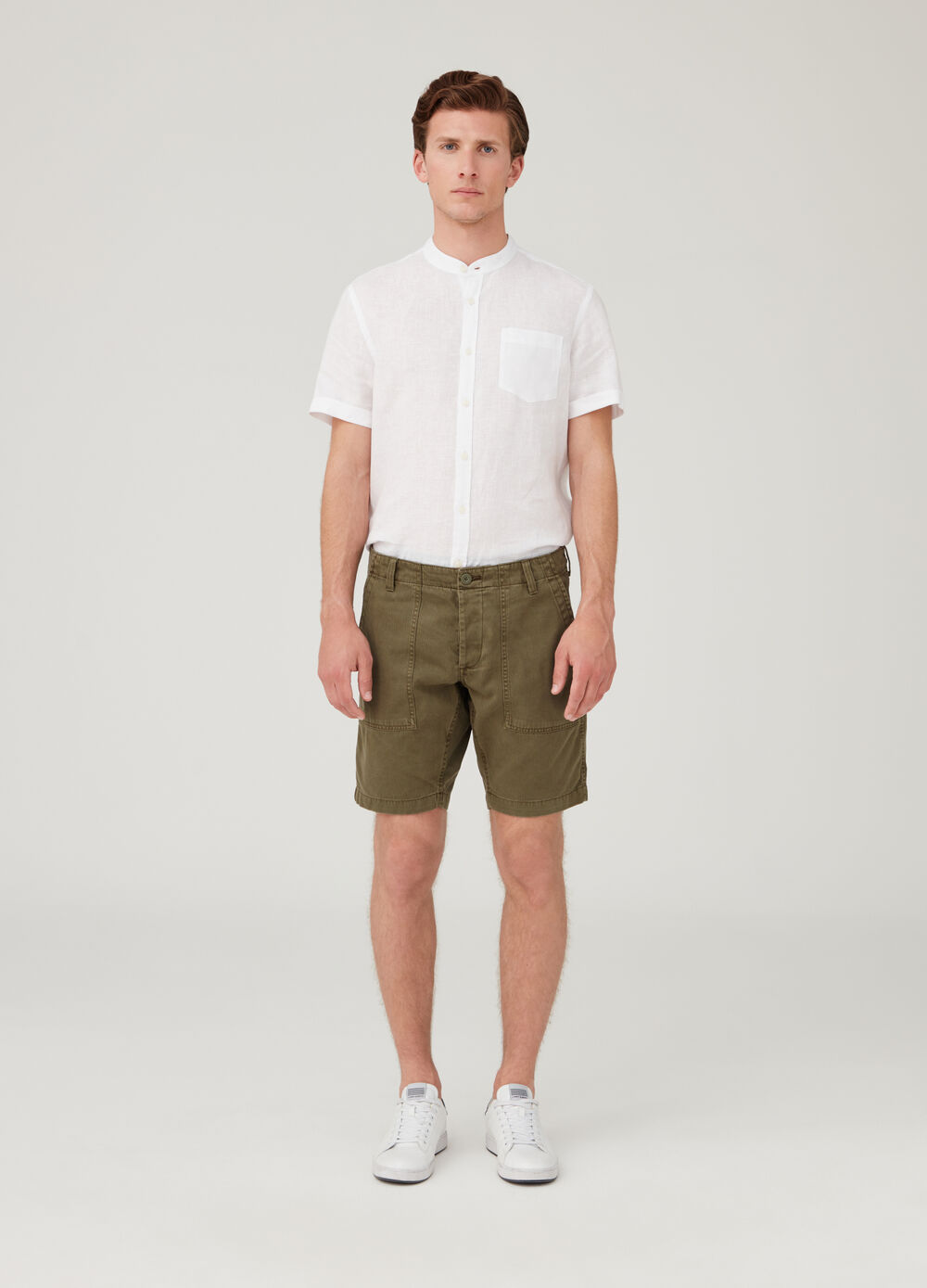 Shorts chino regular fit con tasche
