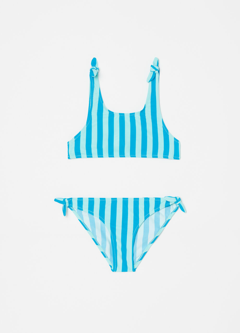 Bikini top and briefs with striped pattern
