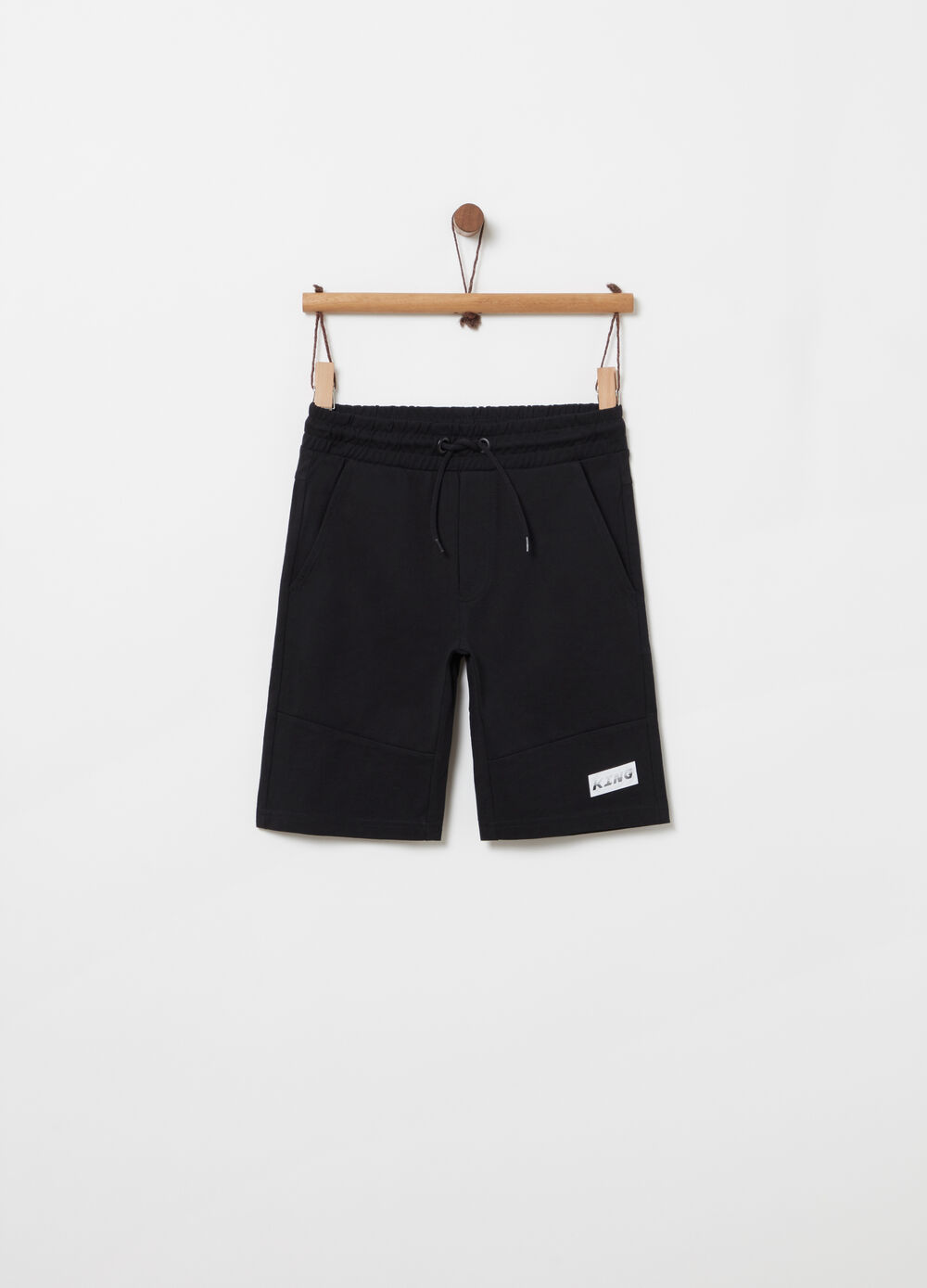 Jersey shorts with drawstring, cuts and print