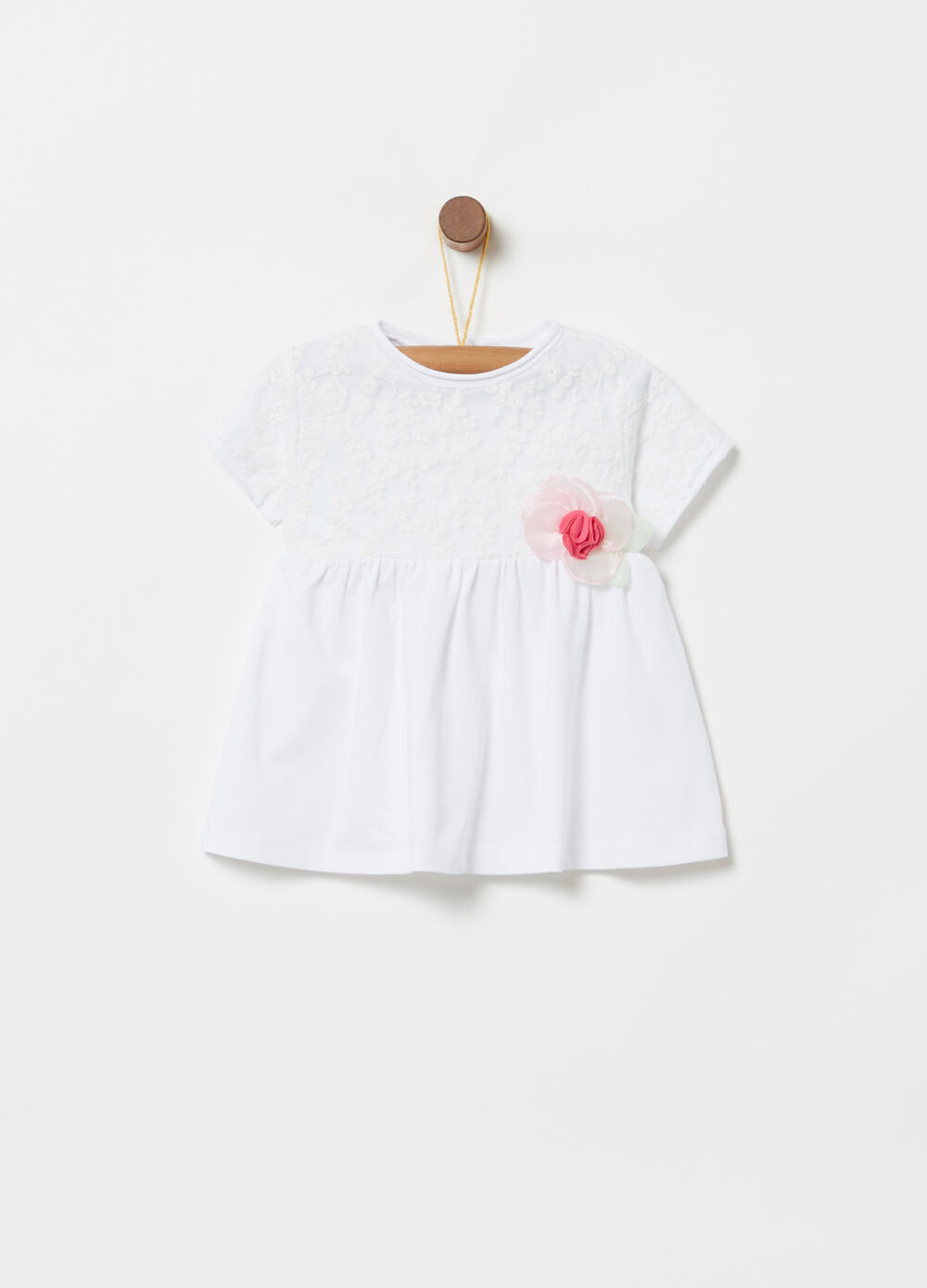 ***T-shirt bodice in lace and organza flower