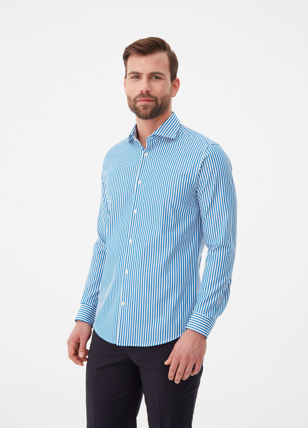 Slim-fit shirt with cut-away collar and stripes