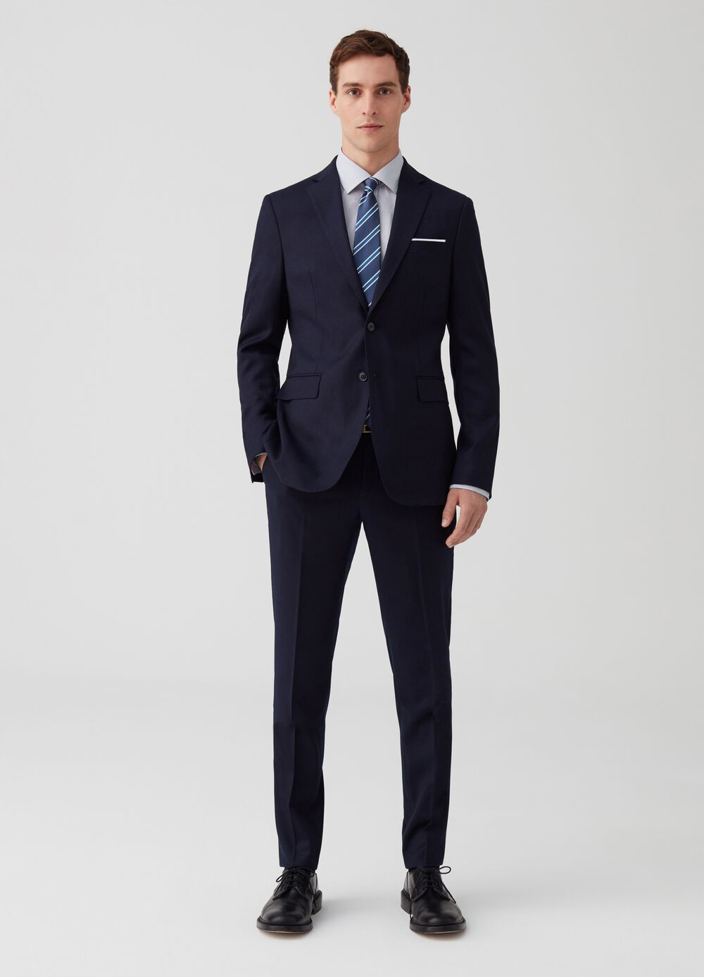 Slim-fit suit in 100% wool with pockets