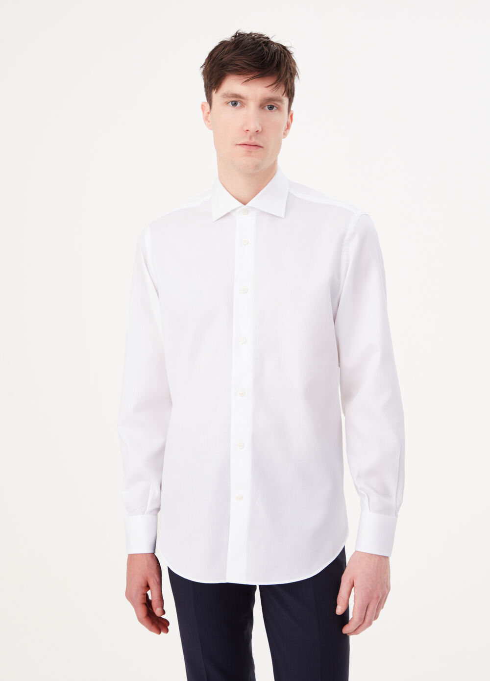 Regular-fit shirt with cut-away collar