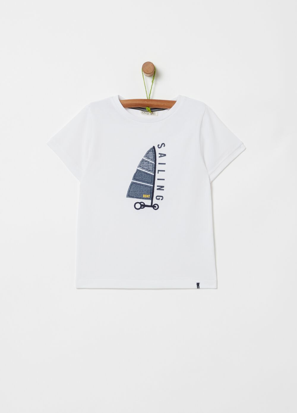 100% organic cotton T-shirt with sailing boat