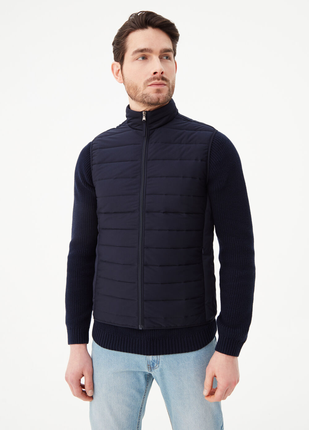 Padded gilet with pockets and high collar