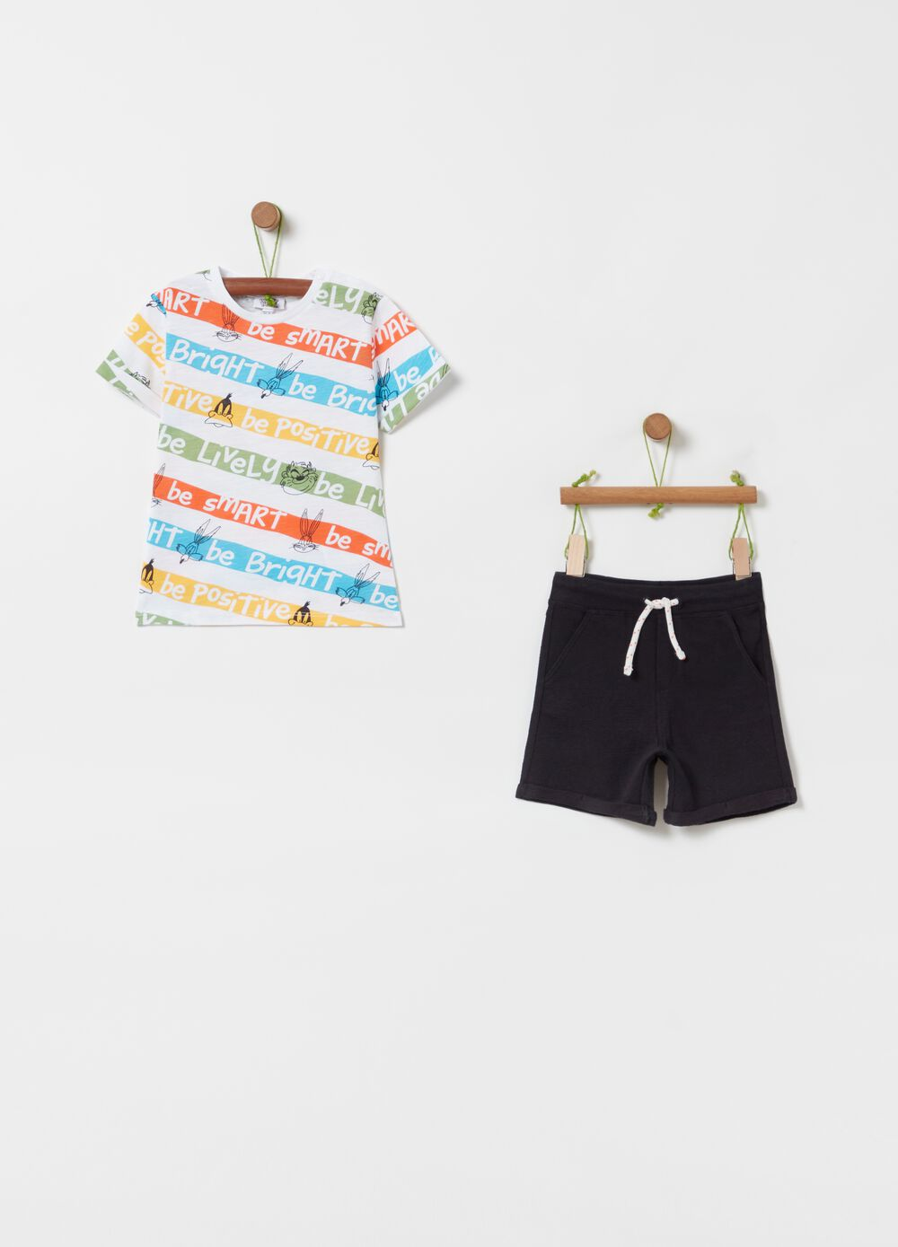 Looney Tunes characters jogging set