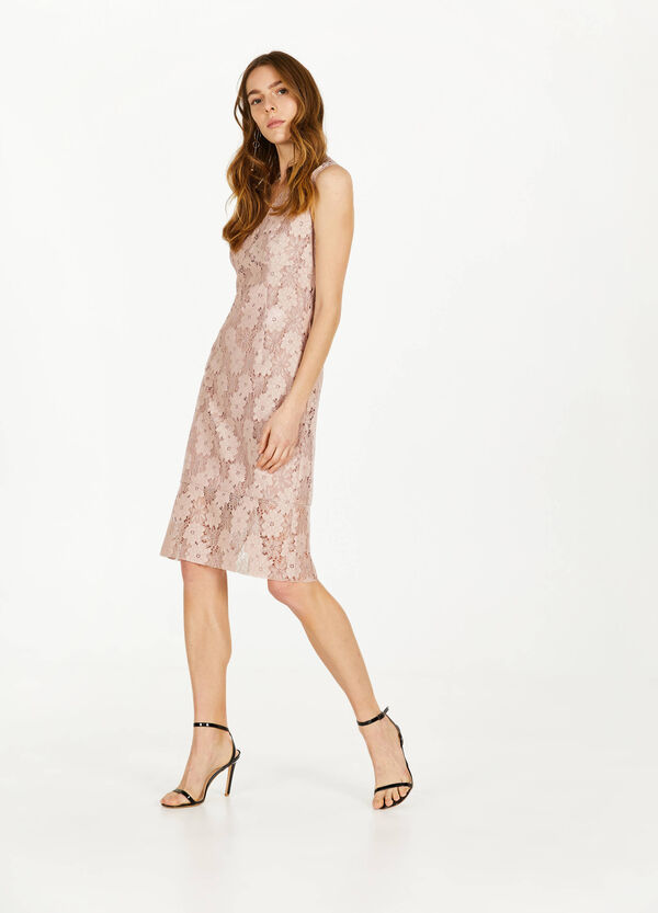 Sleeveless lace dress with V neck