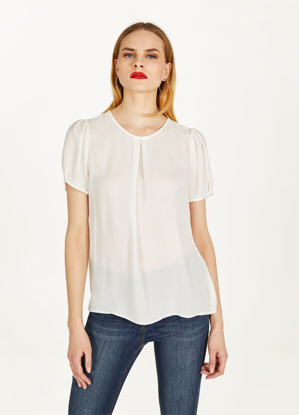 Crêpe blouse with pleating