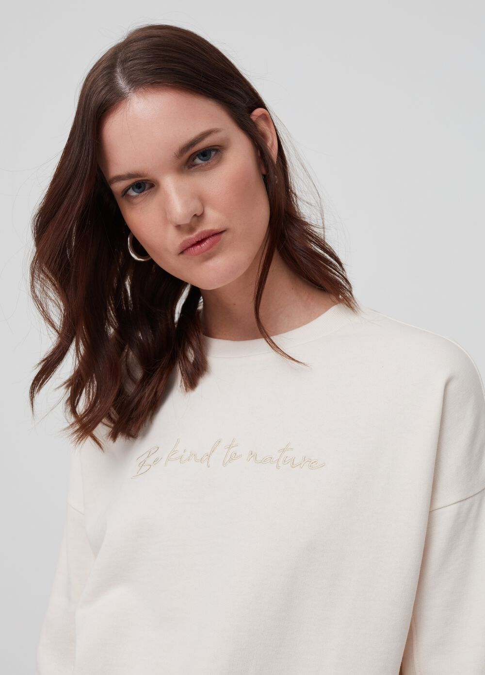 100% organic cotton sweatshirt with embroidery