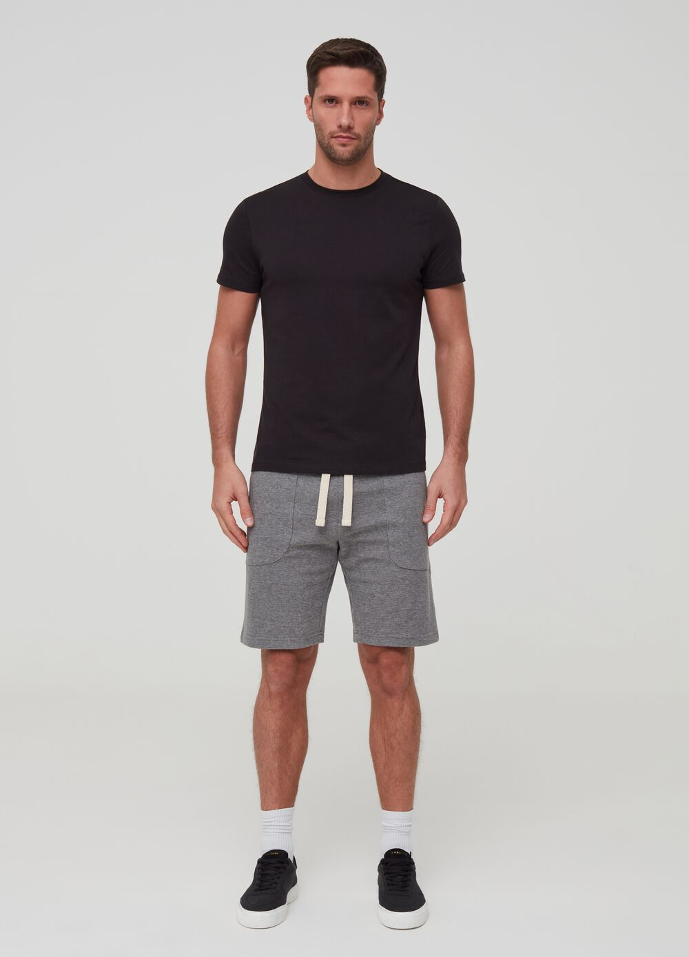 Short mélange joggers with pockets