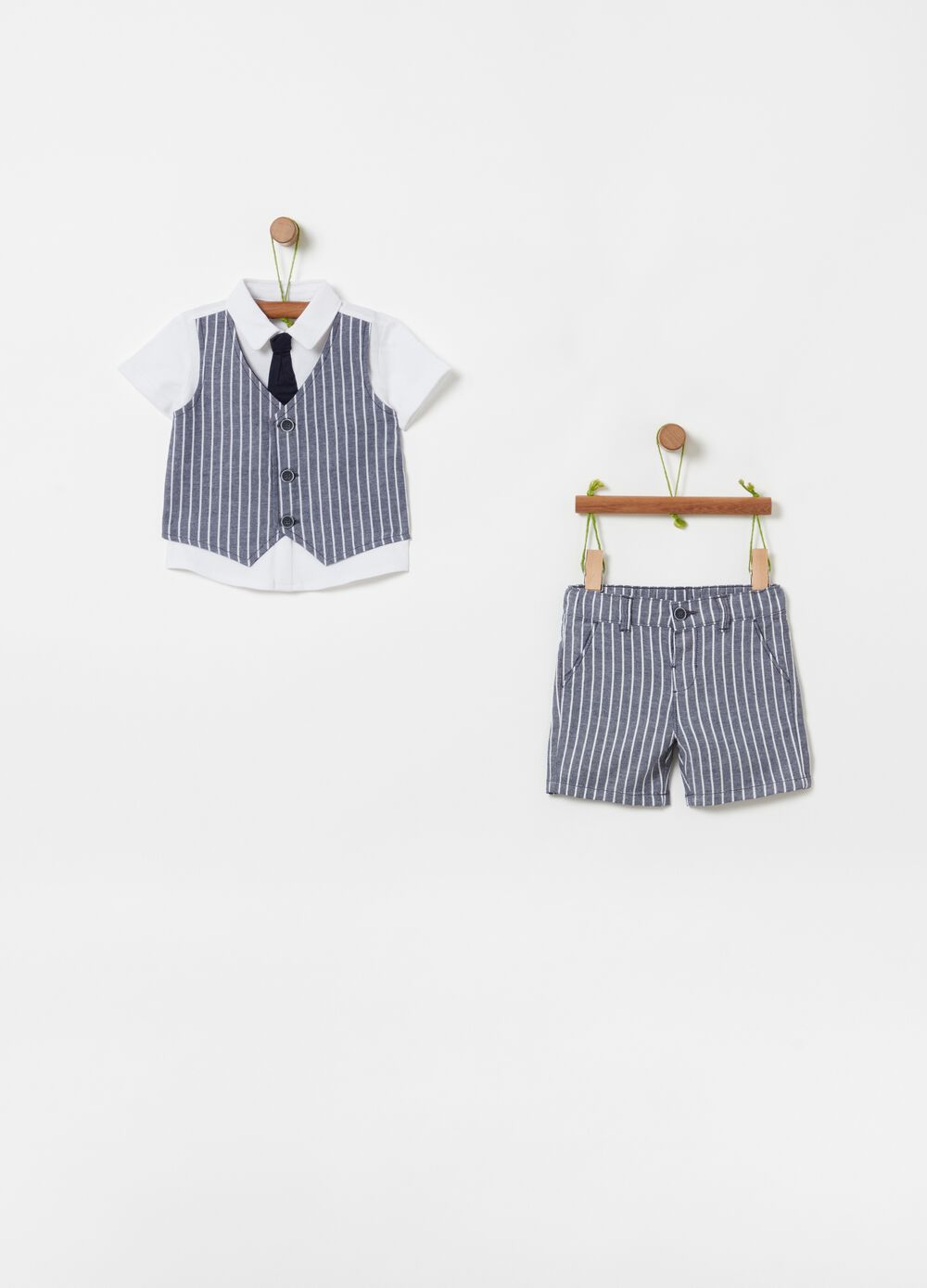 Polo shirt with tie and shorts set