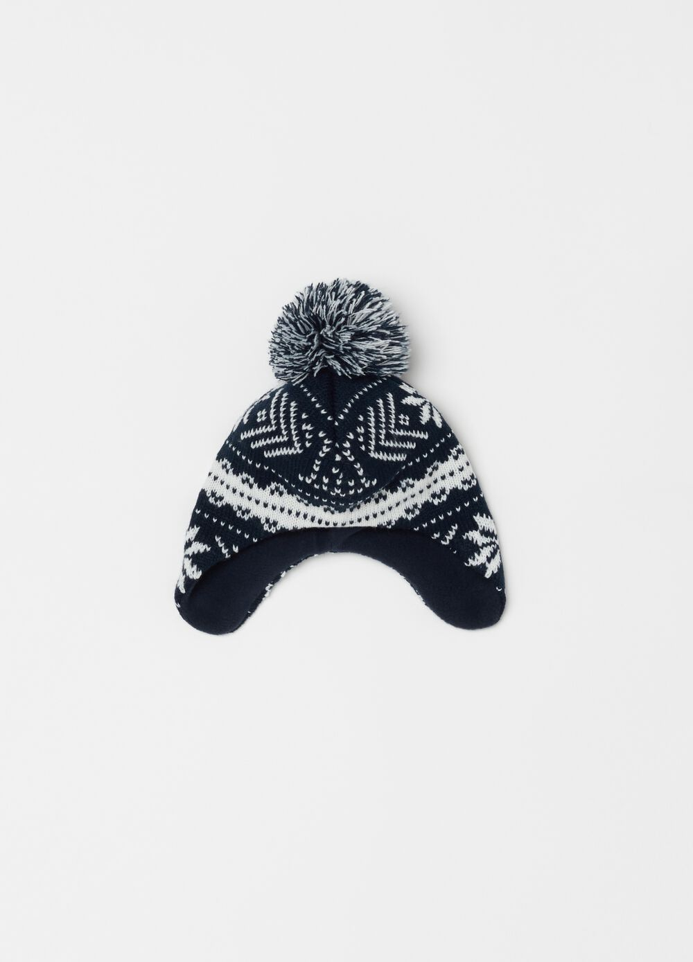 Knitted hat with geometric pattern