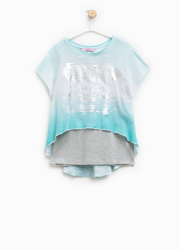 Printed T-shirt with patterned faux layering